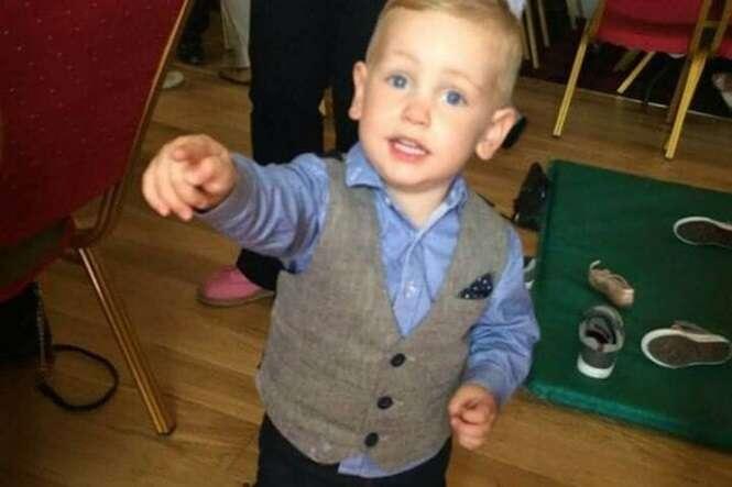 Menino de 2 anos morre após engasgar com uva em restaurante