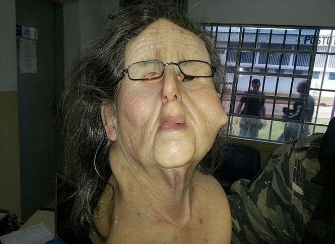 Detento tenta escapar pela porta da frente de prisão usando disfarce de idosa