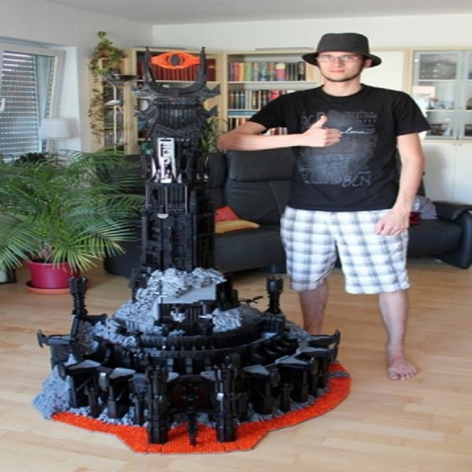 Esculturas criativas feitas de Lego