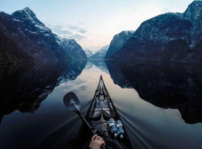 Fotógrafo norueguês cria série incrível de imagens a partir de seu caiaque