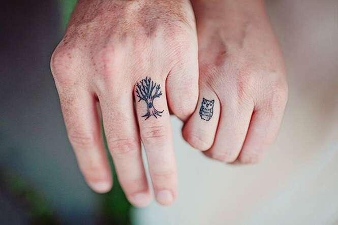 Casais que resolveram trocar as alianças por tatuagens