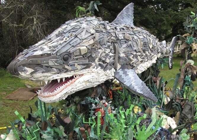 Esculturas incríveis feitas com resíduos de praia