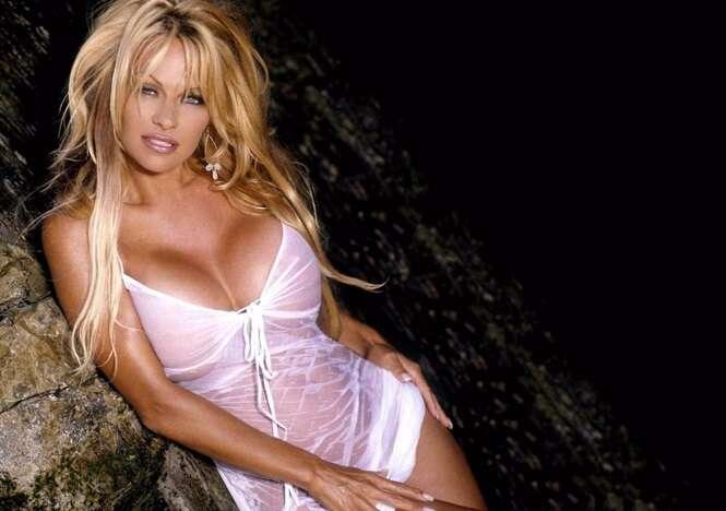 As mais famosas celebridades que já posaram nua na Playboy