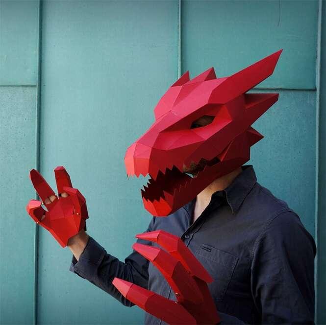 Artista chama atenção criando máscaras geométricas com papel