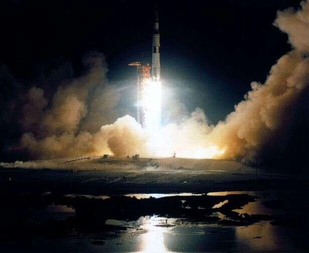 Objeto espacial não identificado está em rota de colisão com a Terra e atingirá o planeta em novembro