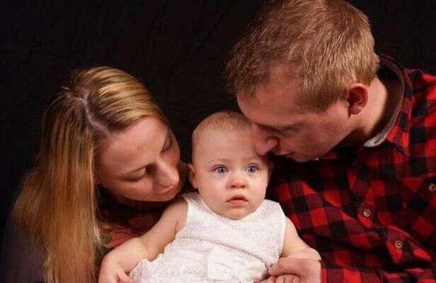 Grávida fica em coma e milagrosamente salva seu bebê em gestação
