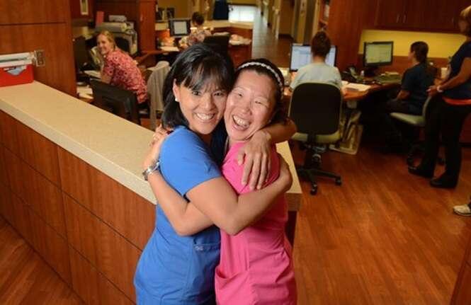 Irmãs órfãs separadas há 40 anos se reencontram ao começarem a trabalhar no mesmo hospital