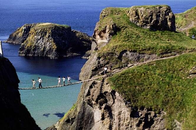 Carrick a rede Rope Bridge Antrim Northern Ireland. Image shot 2005. Exact date unknown.
