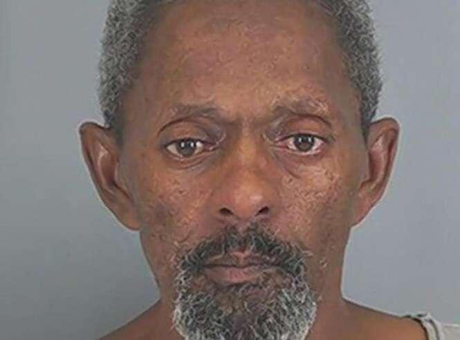 Homem liga para a polícia porque namorada não queria ter relação íntima com ele
