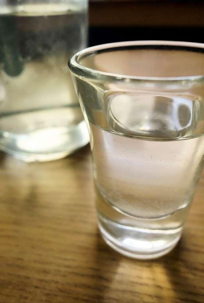 12 pessoas morrem e dezenas de outras vão parar em hospital após consumirem bebida alcoólica na Turquia