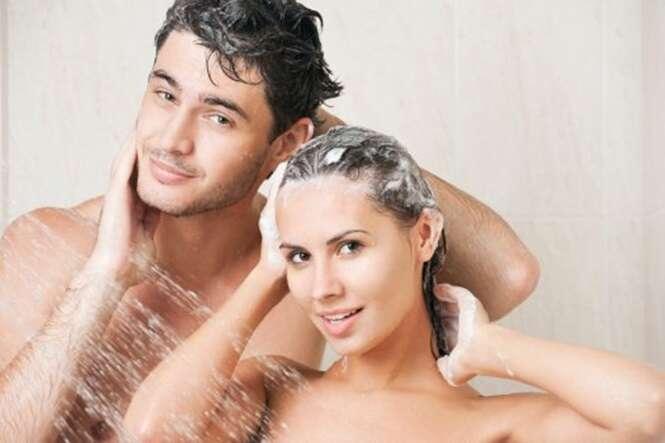 Coisas que não se deve fazer ao tomar banho junto com outra pessoa