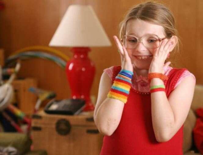 """9 anos depois, como está a atriz mirim do filme """"Pequena Miss Sunshine""""?"""