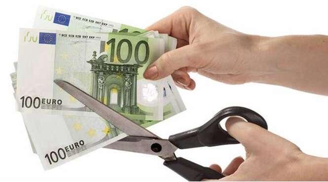 Idosa rasga quase 4 milhões de reais em notas de dinheiro antes de falecer