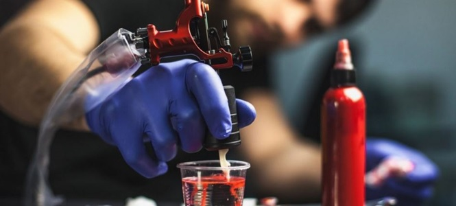 Alguns riscos que as tatuagens oferecem à saúde