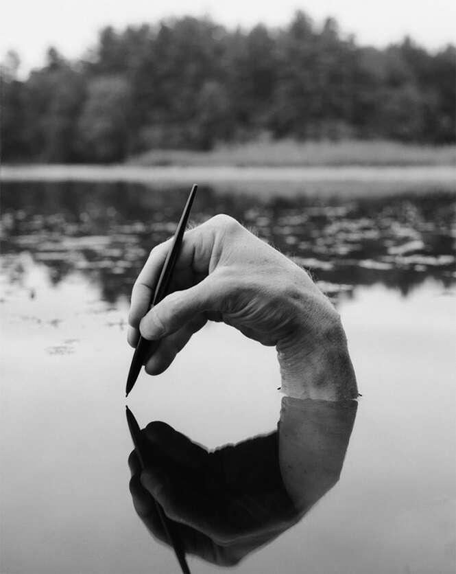 Fotógrafo usa o próprio corpo para criar mundos surreais