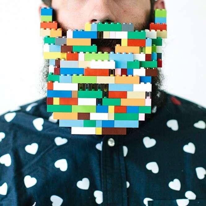 Artista faz sucesso com série de imagens onde coloca o máximo de objetos diferentes em sua barba