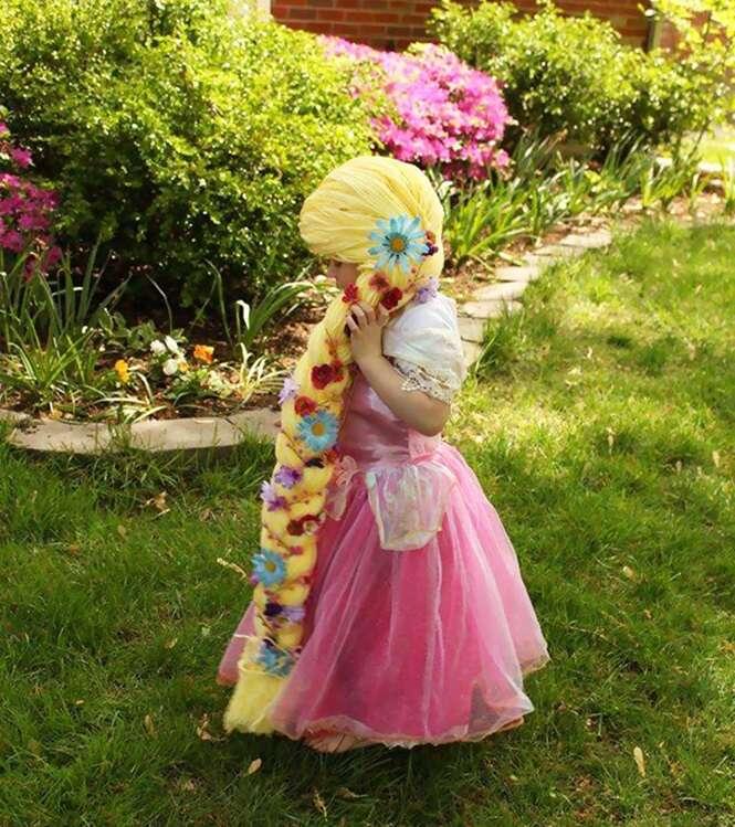 Mulher cria perucas de princesas da Disney para crianças com câncer