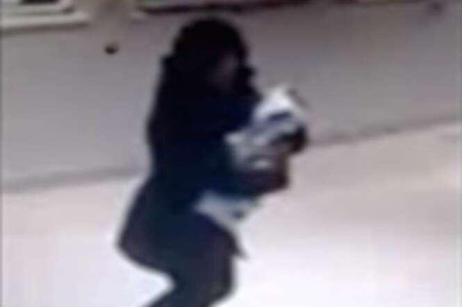 Mulher rouba bebê em hospital para enganar ex-namorado