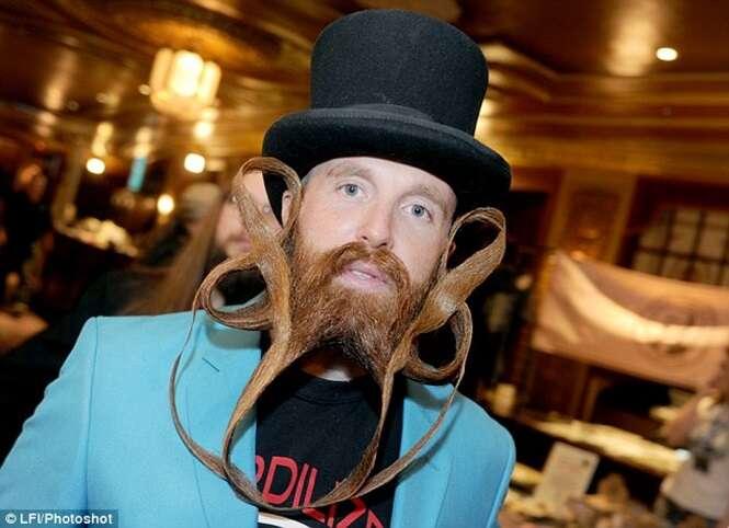 Competição inusitada reúne 300 homens com barbas e bigodes mais bizarros do mundo
