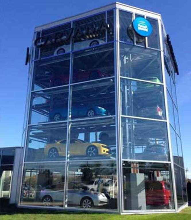 Conheça a primeira máquina de venda automática de carros