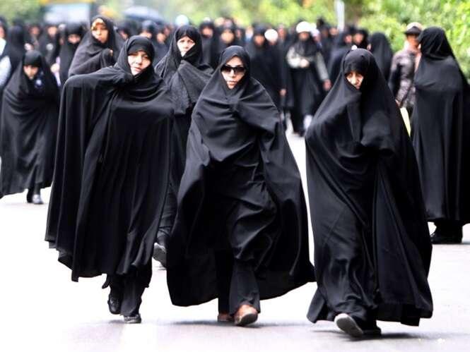 Mulheres que forem vistas usando burca na Suíça serão multadas