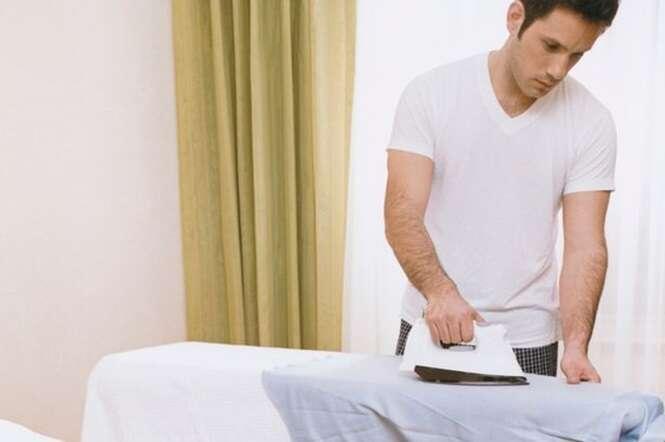 Homem que ajudam nas tarefas domésticas são propensos a terem vida sexual melhor