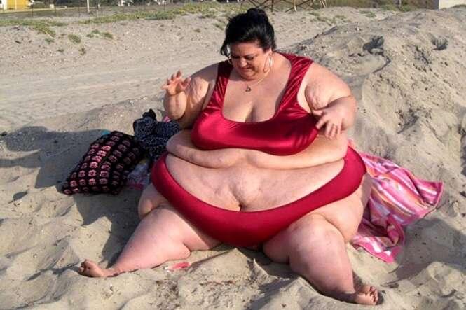 Obesa que chegou a pesar mais de 320 quilos para agradar namorado muda de vida ao terminar com rapaz