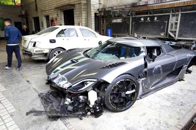 Vídeo flagra momento em que homem destrói carro de mais de R$ 15 milhões em acidente