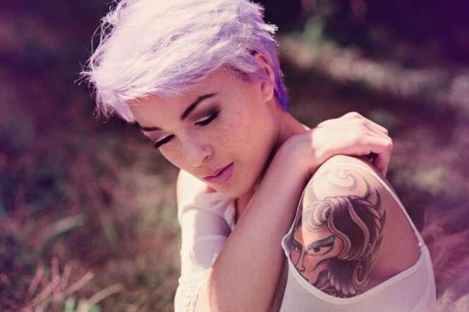 Mulheres tatuadas têm maior autoestima que pessoas sem desenhos na pele