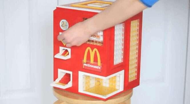 Inventor cria máquina automática feita de Lego que fornece lanche do McDonald's