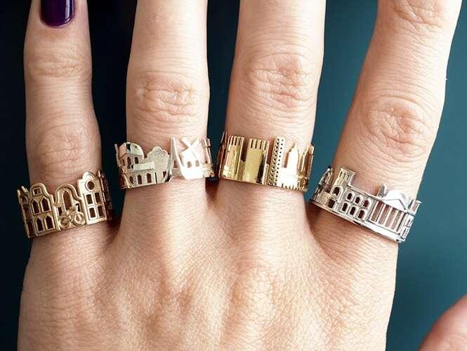 Artista leva elementos de cidades para anéis