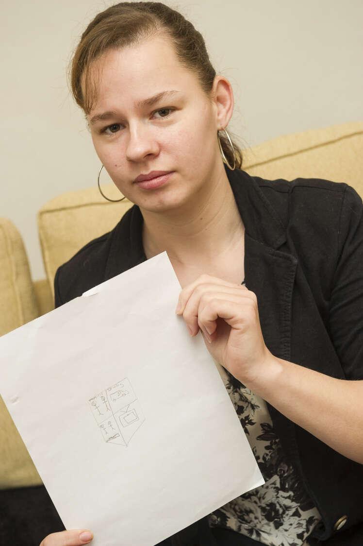Mulher não consegue emprego porque falhou no teste de desenho