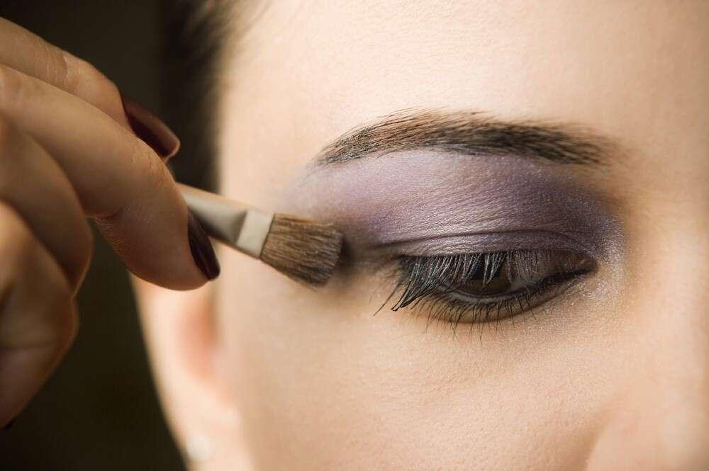 Motivos que farão você nunca mais ter preguiça de tirar a maquiagem antes de dormir