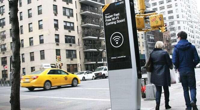 Nova York substitui orelhões por totens Wi-Fi