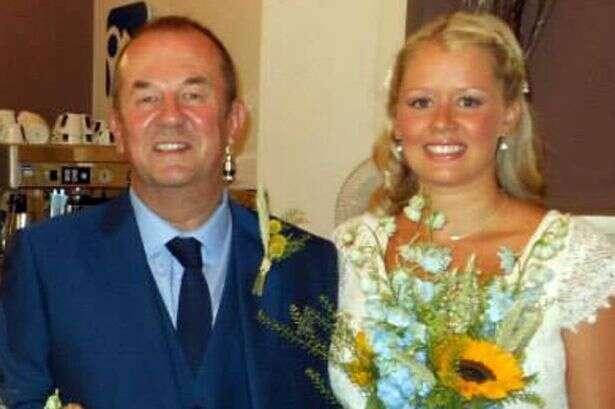 Pai morre momentos logo depois de posar para fotos durante casamento de sua filha