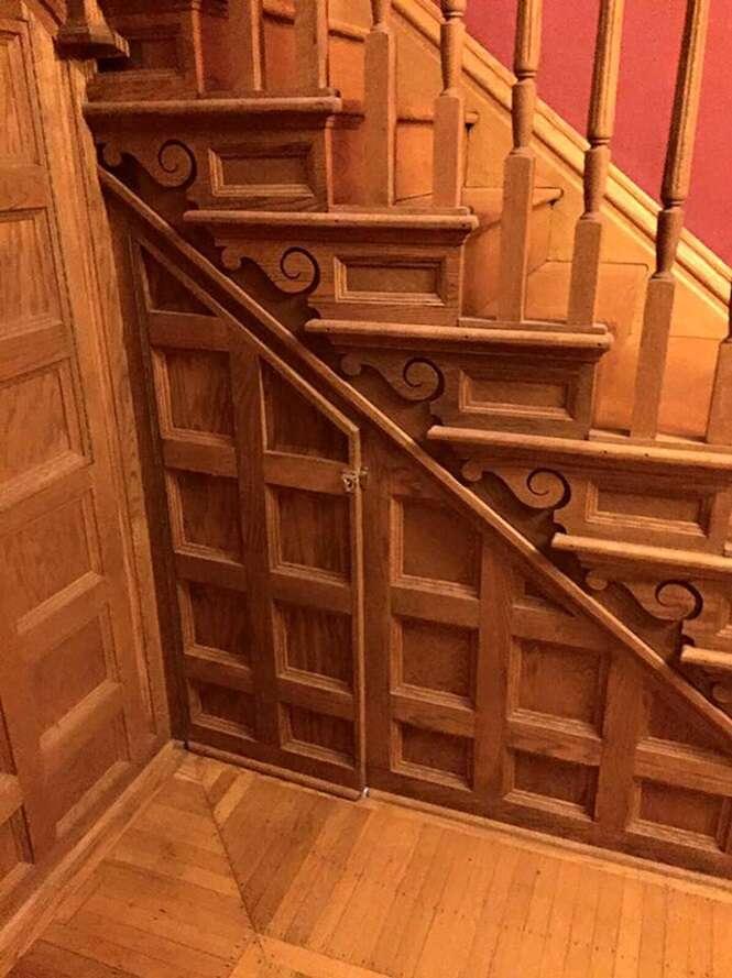 """Mulher cria """"quarto secreto"""" de Harry Potter sob as escadas de casa"""