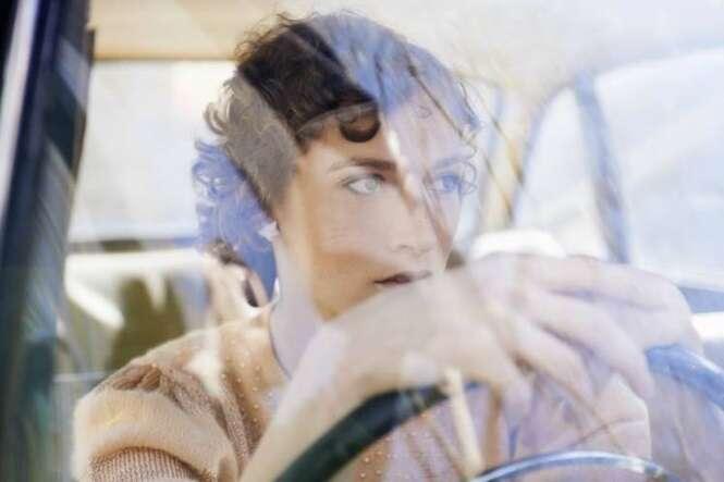 Pesquisa revela que mulheres são melhores motoristas que homens