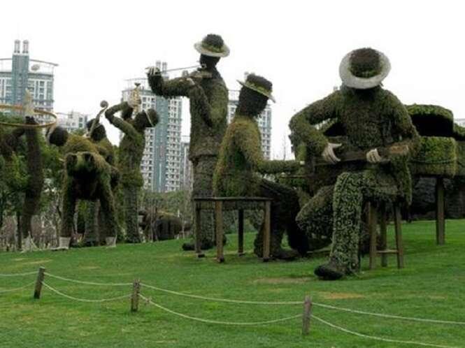 As mais incríveis esculturas de folhas em jardins