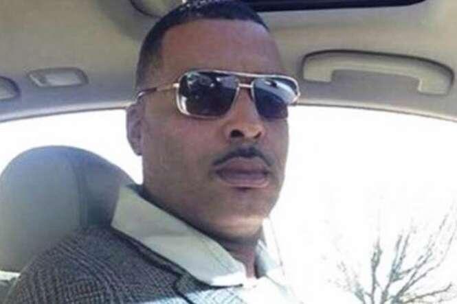 """Homem se acha feio em foto de """"procurado"""" postada pela polícia e envia imagem """"melhor"""" para substituir"""