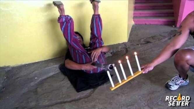 Homem estabelece recorde mundial apagando velas com suas flatulências