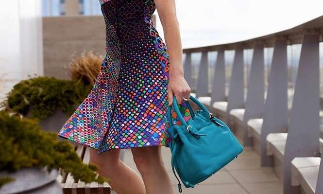 Conheça o vestido que pode ser colorido manualmente
