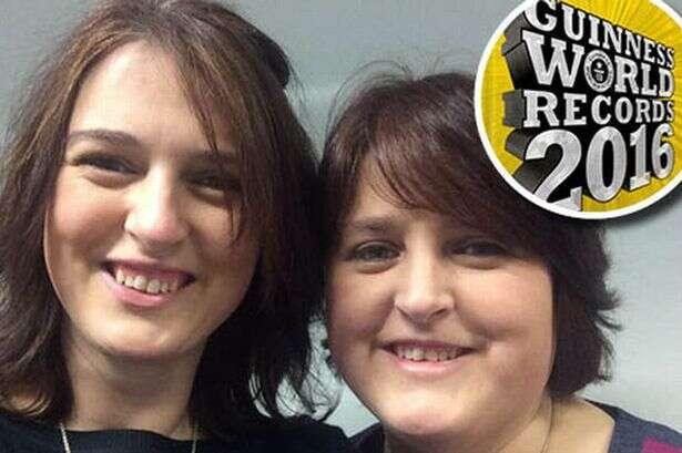 Gêmeas nascidas em países diferentes tentam obter recorde mundial