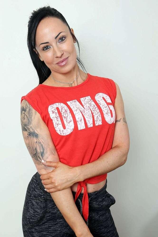 Evangelina Tsadiosou, uma cantora de 39 anos de idade. Foto:  Peter Jordan