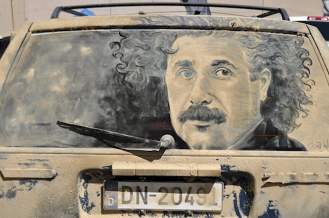 Foto: Scott Wade's Dirty Car Art