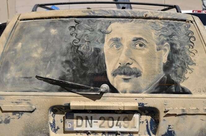 Foto: Scott Wade's Dirty Car Art