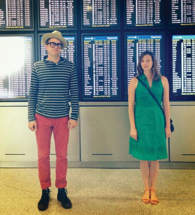 Casal se conhece em site de namoro, resolvem viajar juntos um mês depois e se apaixonam