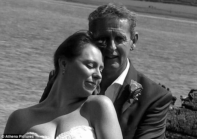 Bígamo é desmascarado após primeira esposa encontrar fotos no Facebook de seu segundo casamento
