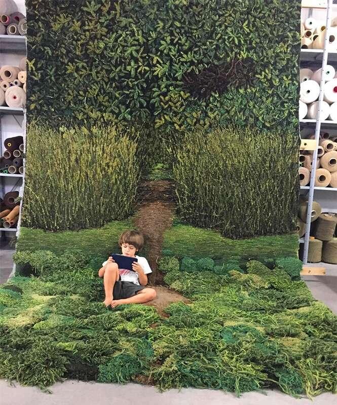 Artista argentina cria tapetes que trazem a natureza para dentro de casa