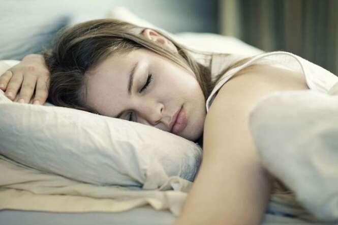 Dormir mais de 8 horas por noite aumenta significativamente o risco de AVC
