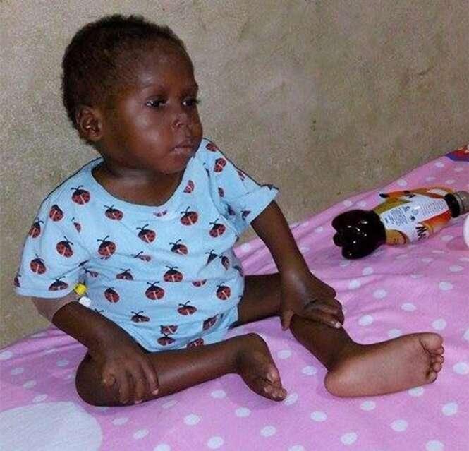 Criança de 2 anos encontrada desnutrida começa a recuperar a saúde após resgate
